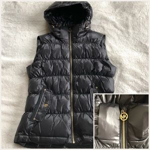 NWT- Michael Kors down-feathered vest- size M